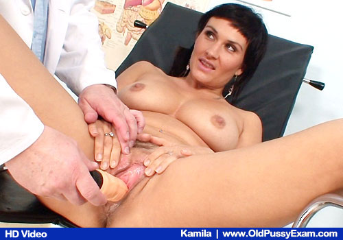 Big-titted Brunette Spreads Legs and Fucks herself with Doctor and Rubber-cocks