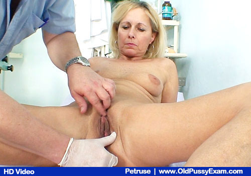 Blonde Petruse Has Piss hole Examined by Therapist