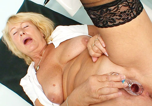 Mature Big-titted Blondie Medic Spreads Legs in Black Nylons to Masturbate