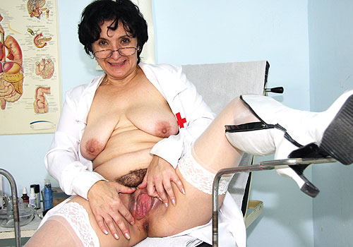 Mature Miriam Masturbates at GynoClinic