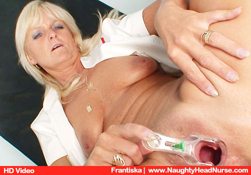 Old Brown-haired Frantiska Gynecologist Undresses and Rubbing pussy